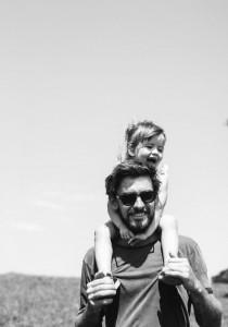 8 PHRASES à dire à son mec pour qu'il DEVIENNE un PAPA génial (un jour)
