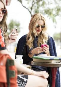 8 BONNES RAISONS de ne pas s'INSCRIRE sur Tinder