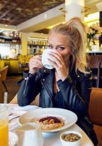 ALERTE ! On a TROUVÉ LE CAFÉ qui vous FAIT des DENTS BLANCHES !!!