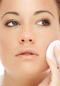 Les 4 étapes indispensables  pour bien nettoyer son visage
