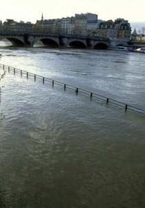 CHRONIQUE d'une RÉDACTRICE NOYÉE #Parisetsesintempéries