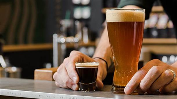 L'ingrédient FOU de la nouvelle boisson Starbucks ! #Alcool