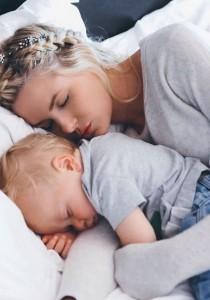 8 TRUCS pour endormir un BÉBÉ BRAILLARD