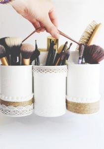 COMMENT nettoyer vos outils MAKE-UP (pinceaux, trousse, brosses...)