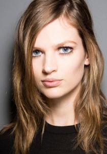 BEAUTÉ : 10 TRUCS de PRO pour appliquer votre MAKE-UP sur les yeux