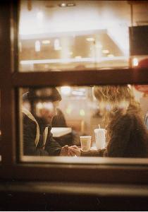 Ce que les femmes regardent chez un homme au premier rendez-vous !