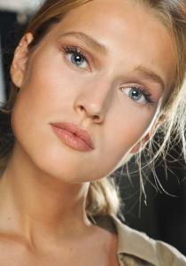 Le BON maquillage CORRECTEUR pour nos PROBLÈMES DE PEAU