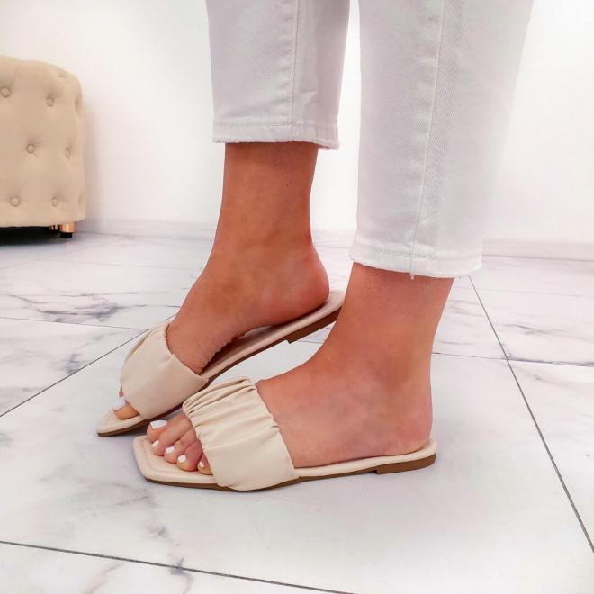 Quelles chaussures porter sous sa robe cet été ?